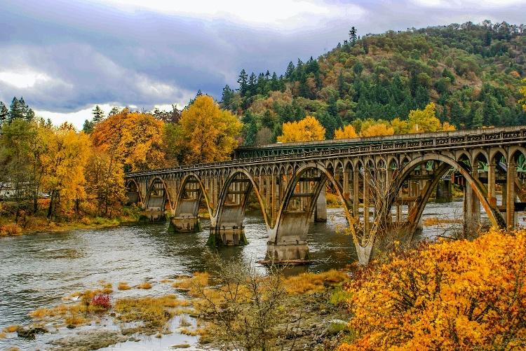 bridge-1039332_1920