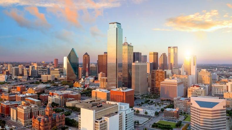 dallas-texas-cityscape-picture-id923519778